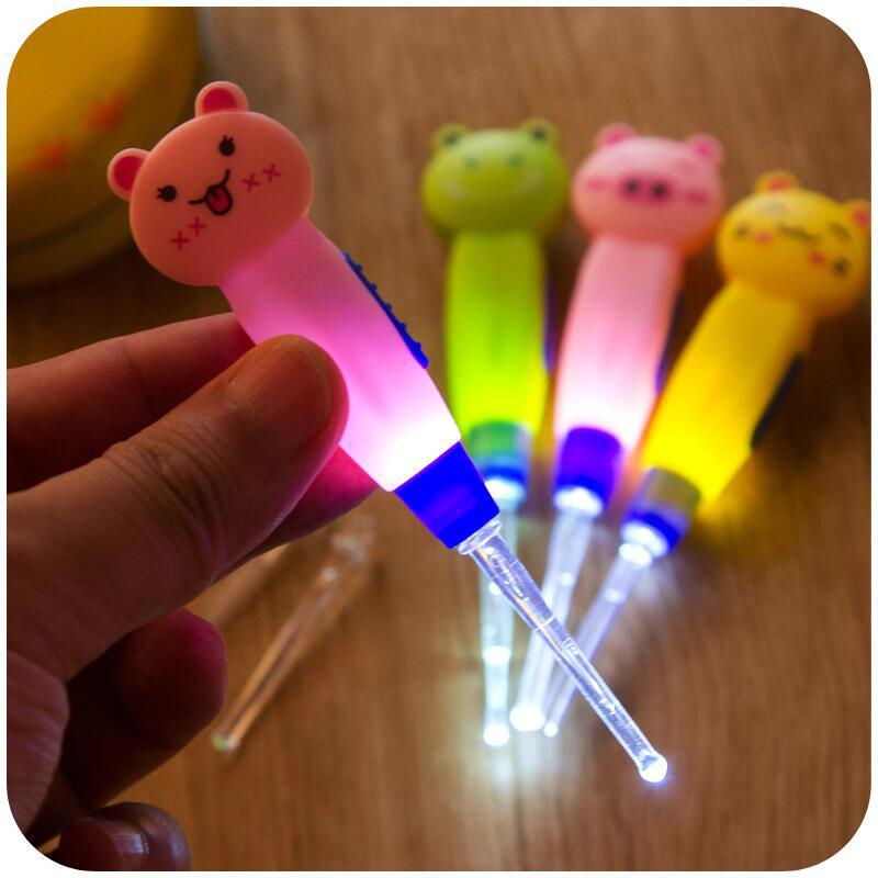 Baby Care Ear Spoon Light Child Ears Cleaning with Light Wholesale Earwax Spoon Digging Luminous Dig Ear Syringe japanese style